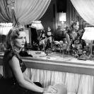 Constance Dowling en Black Angel (1946) 102