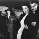 Edward G. Robinson, Orson Welles, y Loretta Young en The Stranger / El extraño (1946)