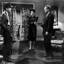 Humphrey Bogart, Sonia Darrin y Louis Jean Heydt en The Big Sleep (1946) Still 106