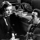 Lauren Bacall y Humphrey Bogart en The Big Sleep (1946) Still 121